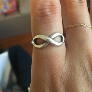 Tiffany's silver infinity ring (7)